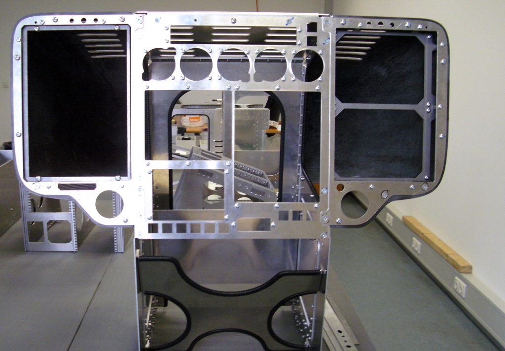 EC-135 instrument stand