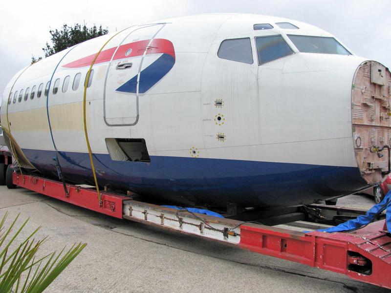 flugzeugrumpf transport